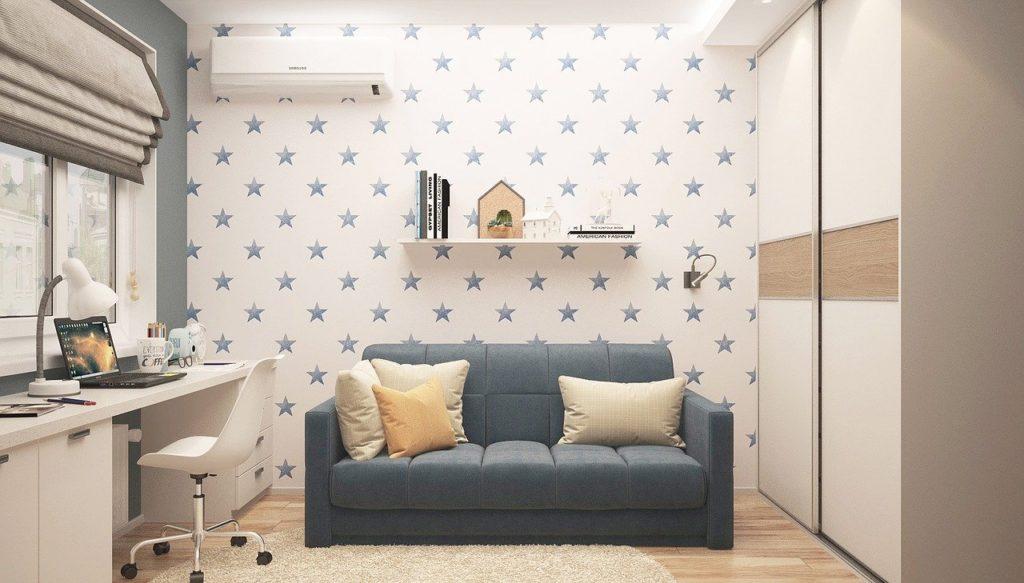 Raum mit Sofa bis 100 Euro