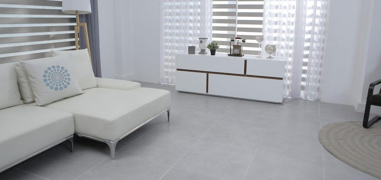 Weißes Kaltschaum Sofa
